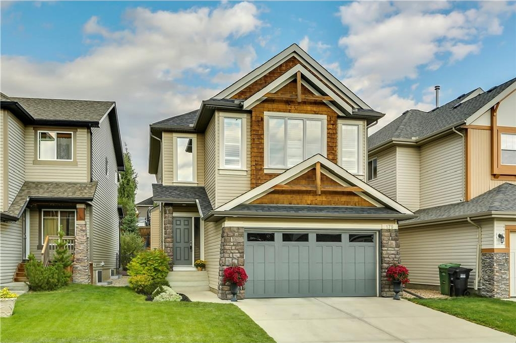 Main Photo: 179 TREMBLANT Way SW in Calgary: Springbank Hill House for sale : MLS® # C4136953