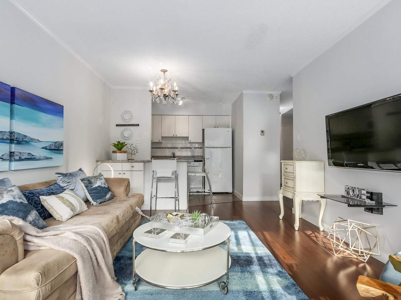 "Main Photo: 307 2120 W 2ND Avenue in Vancouver: Kitsilano Condo for sale in ""ARBUTUS PLACE"" (Vancouver West)  : MLS®# R2240959"