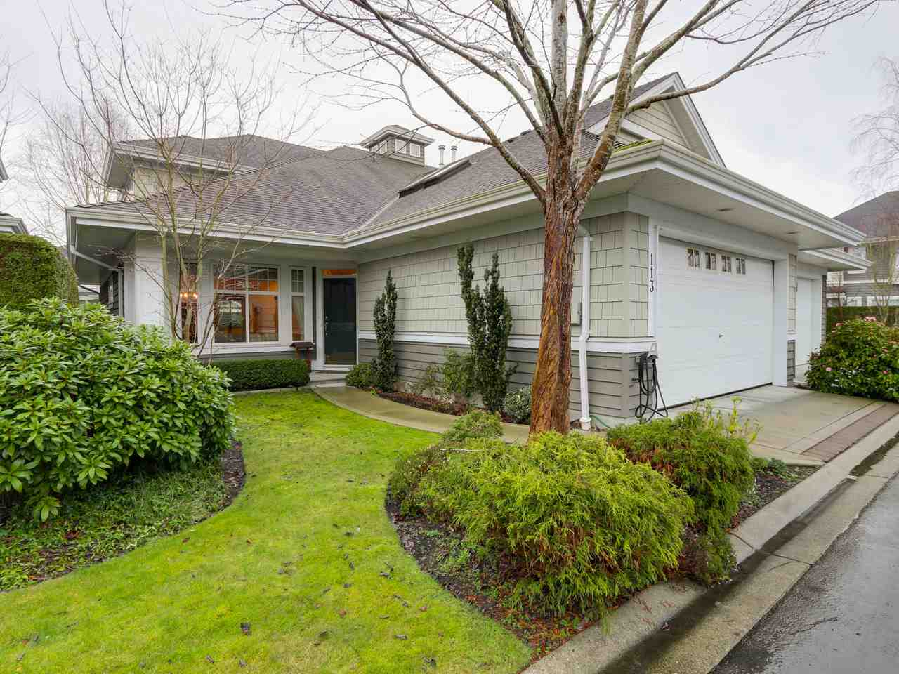 Main Photo: 113 5900 FERRY Road in Delta: Neilsen Grove Townhouse for sale (Ladner)  : MLS® # R2035686