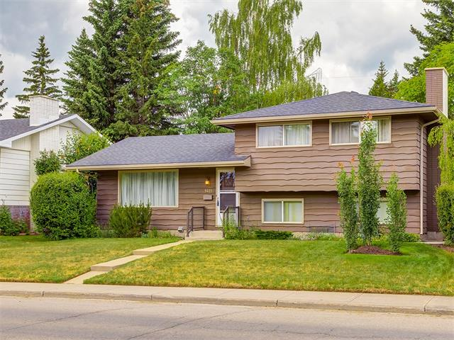 Main Photo: 5427 LAKEVIEW Drive SW in Calgary: Lakeview House for sale : MLS® # C4070733