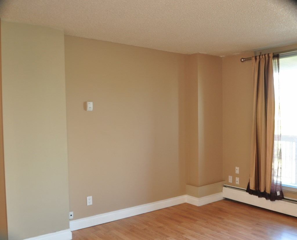 Photo 3: 203 12831 66 Street in Edmonton: Zone 02 Condo for sale : MLS® # E4078685