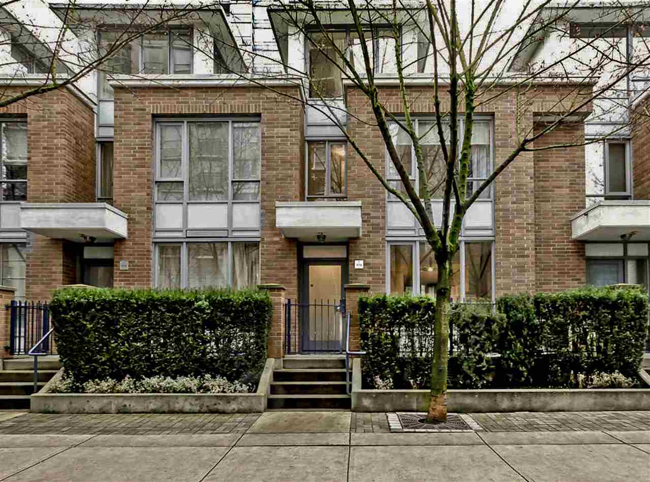 "Main Photo: 978 BEATTY Street in Vancouver: Yaletown Townhouse for sale in ""MAX"" (Vancouver West)  : MLS®# R2035736"