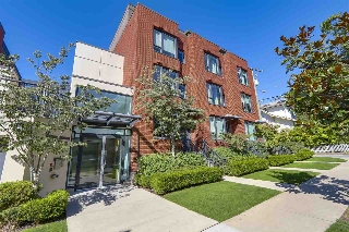 "Main Photo: 214 1961 COLLINGWOOD Street in Vancouver: Kitsilano Townhouse for sale in ""VIRIDIAN GREEN"" (Vancouver West)  : MLS® # R2205025"