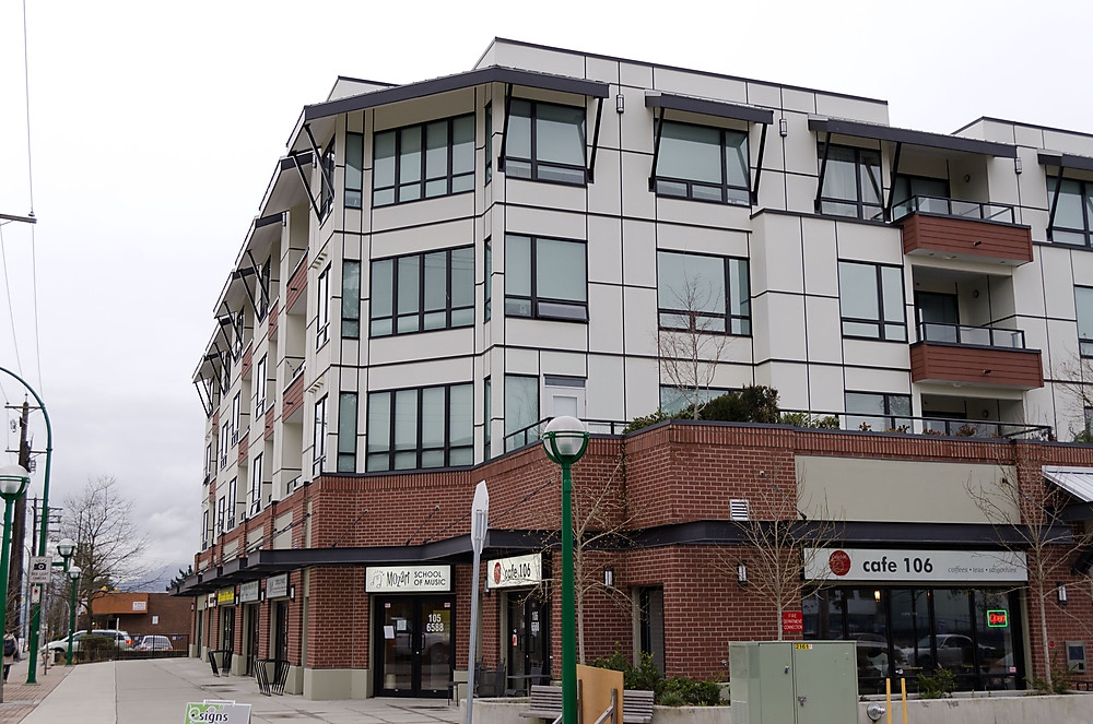 FEATURED LISTING: 404 - 5211 GRIMMER Street Burnaby
