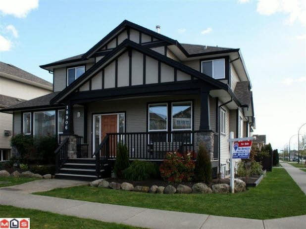 Main Photo: 18906 69A AVENUE in : Clayton House for sale (Cloverdale)  : MLS®# F1000885