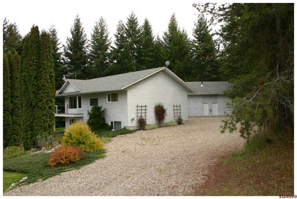 Main Photo: 2454 Leisure Road in Blind Bay: Shuswap Lake Estates Residential Detached for sale : MLS®# 10047025
