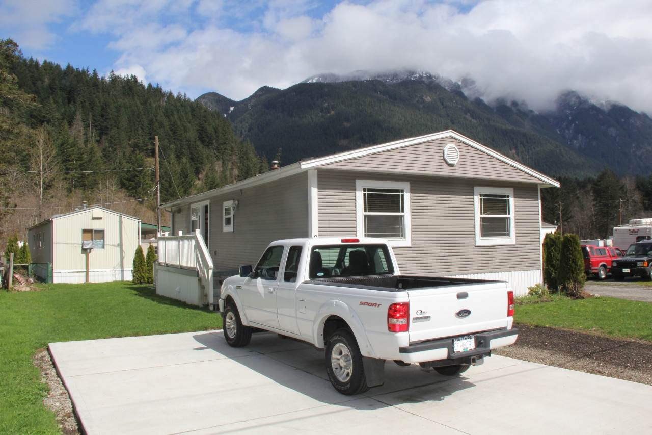 FEATURED LISTING: 60 65367 KAWKAWA LAKE Road Hope