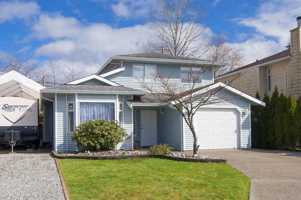 Main Photo: 23017 OLUND Crescent in Maple Ridge: East Central House for sale : MLS®# R2148205