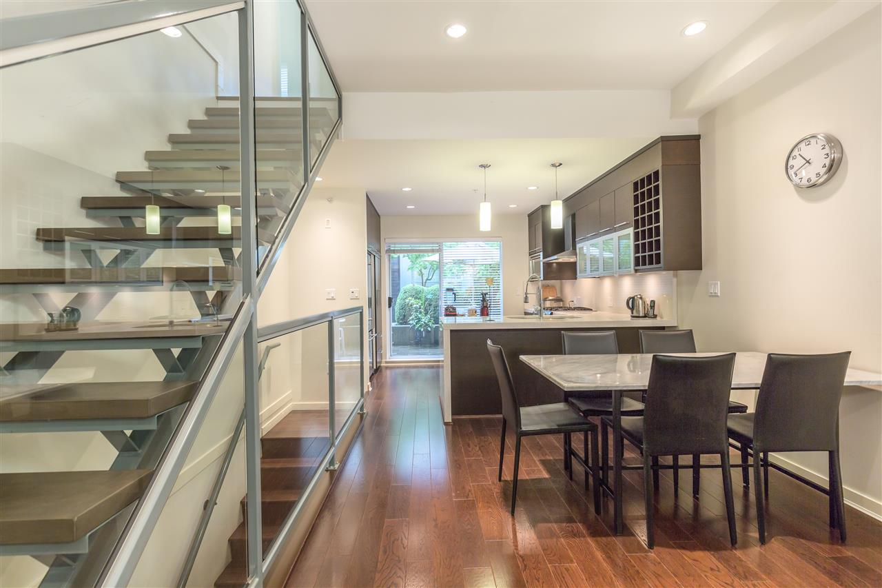 "Photo 8: 2172 W 8TH Avenue in Vancouver: Kitsilano Townhouse for sale in ""CANVAS"" (Vancouver West)  : MLS® # R2176303"