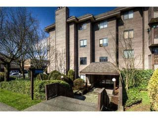 "Main Photo: 405 2215 DUNDAS Street in Vancouver: Hastings Condo for sale in ""Harbour Reach"" (Vancouver East)  : MLS® # R2247353"