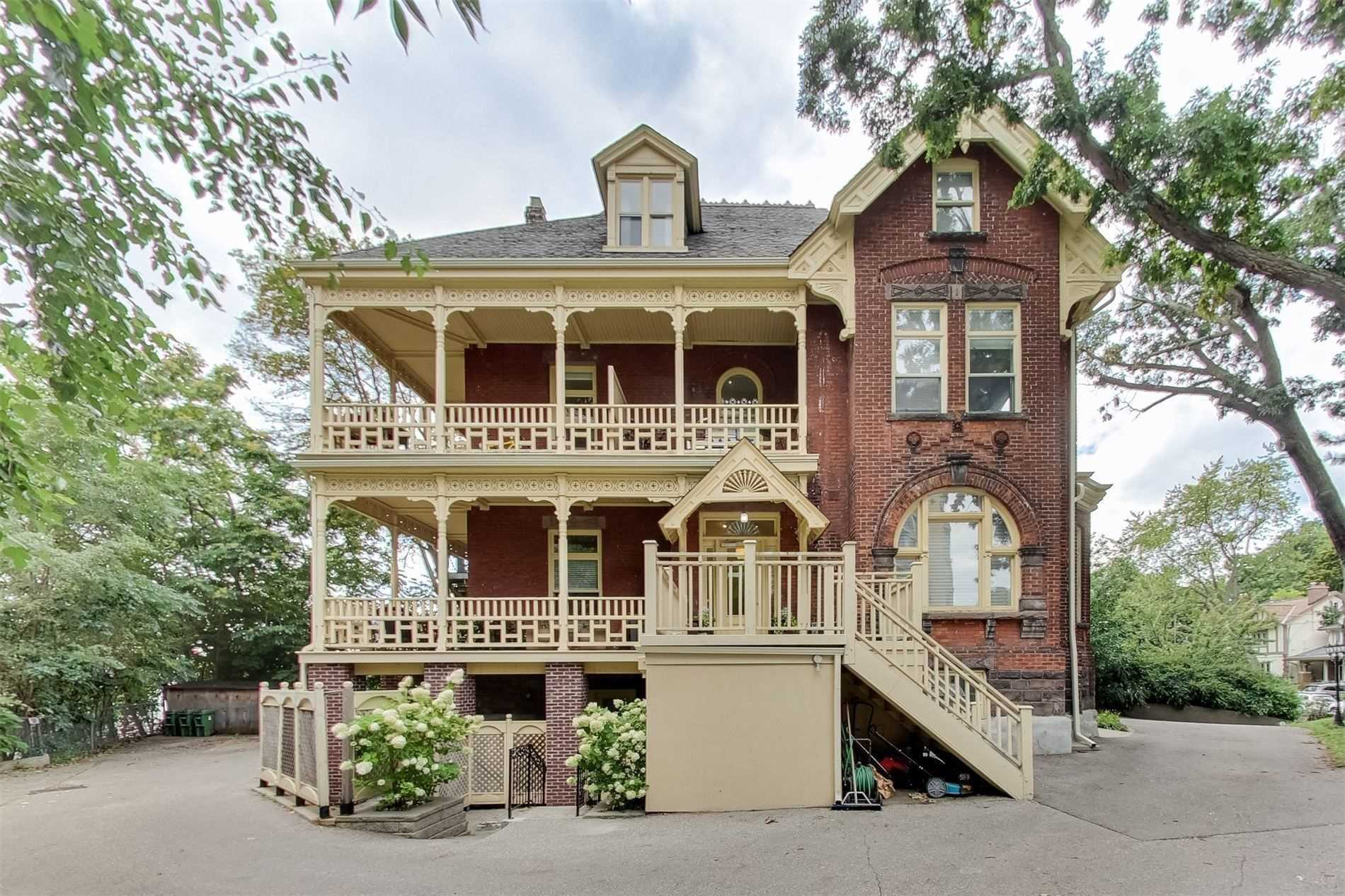 FEATURED LISTING: Ph 7 32 Gothic Avenue Toronto