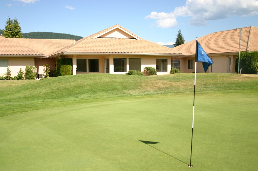 Main Photo: 9 2550 Golf Course Drive: Blind Bay House for sale (Shuswap Lake)