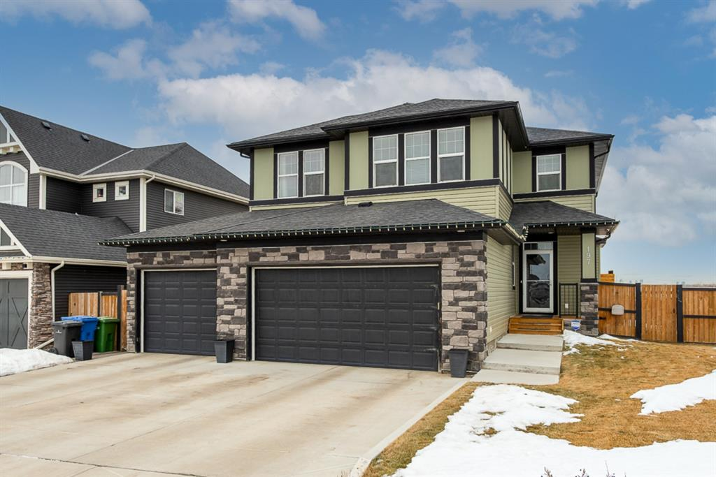 FEATURED LISTING: 197 Rainbow Falls Heath Chestermere