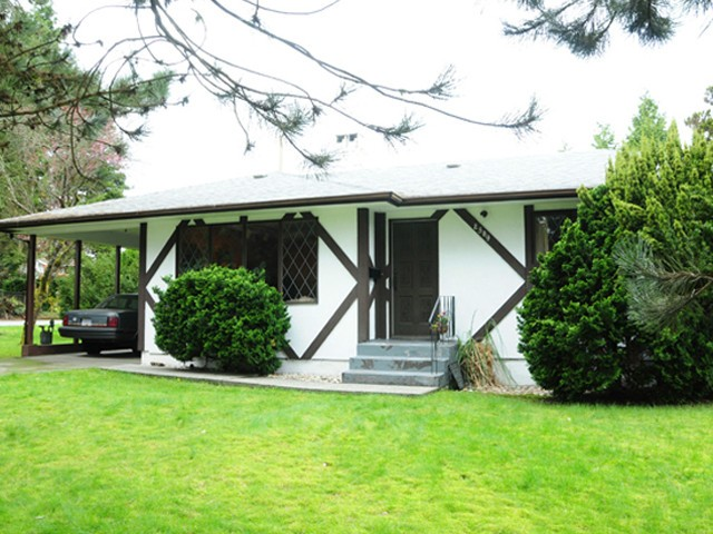 FEATURED LISTING: 2509 LAURALYNN Drive North Vancouver