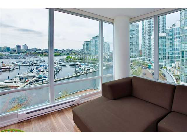 Main Photo: 803 1067 MARINASIDE Crest in Vancouver: Yaletown Condo for sale (Vancouver West)  : MLS® # V948087