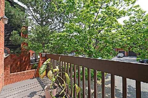 Photo 7: 1241 Cornerbrook Place in Mississauga: Erindale House (3-Storey) for sale : MLS® # W2923195