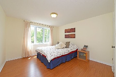 Photo 8: 1241 Cornerbrook Place in Mississauga: Erindale House (3-Storey) for sale : MLS® # W2923195
