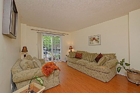 Photo 5: 1241 Cornerbrook Place in Mississauga: Erindale House (3-Storey) for sale : MLS® # W2923195