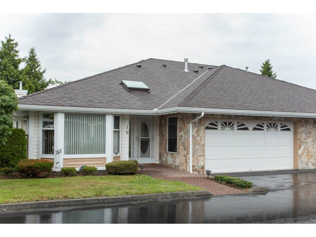 "Main Photo: 16 21746 52 Avenue in Langley: Murrayville Townhouse for sale in ""Glenwood Village Estates"" : MLS®# R2087086"