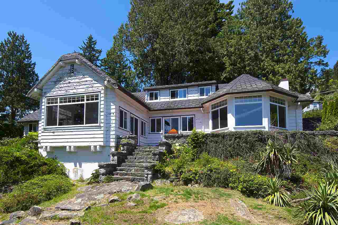 Photo 7: 4670 PICCADILLY SOUTH Road in West Vancouver: Olde Caulfeild House for sale : MLS® # R2185286