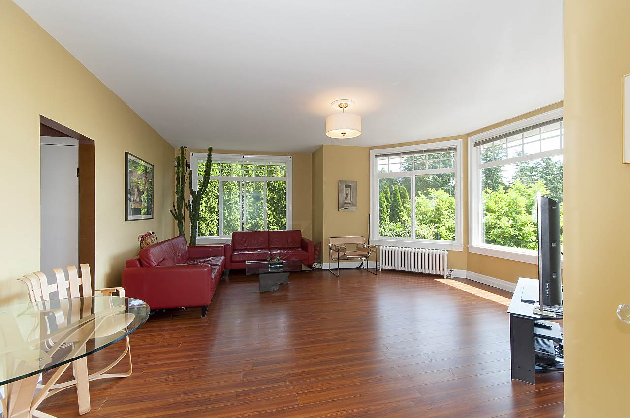 Photo 13: 4670 PICCADILLY SOUTH Road in West Vancouver: Olde Caulfeild House for sale : MLS® # R2185286