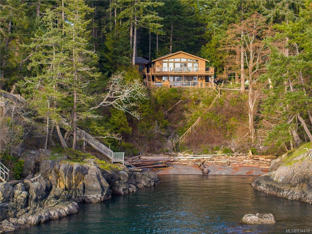 FEATURED LISTING: 7931 Plumper Way Pender Island