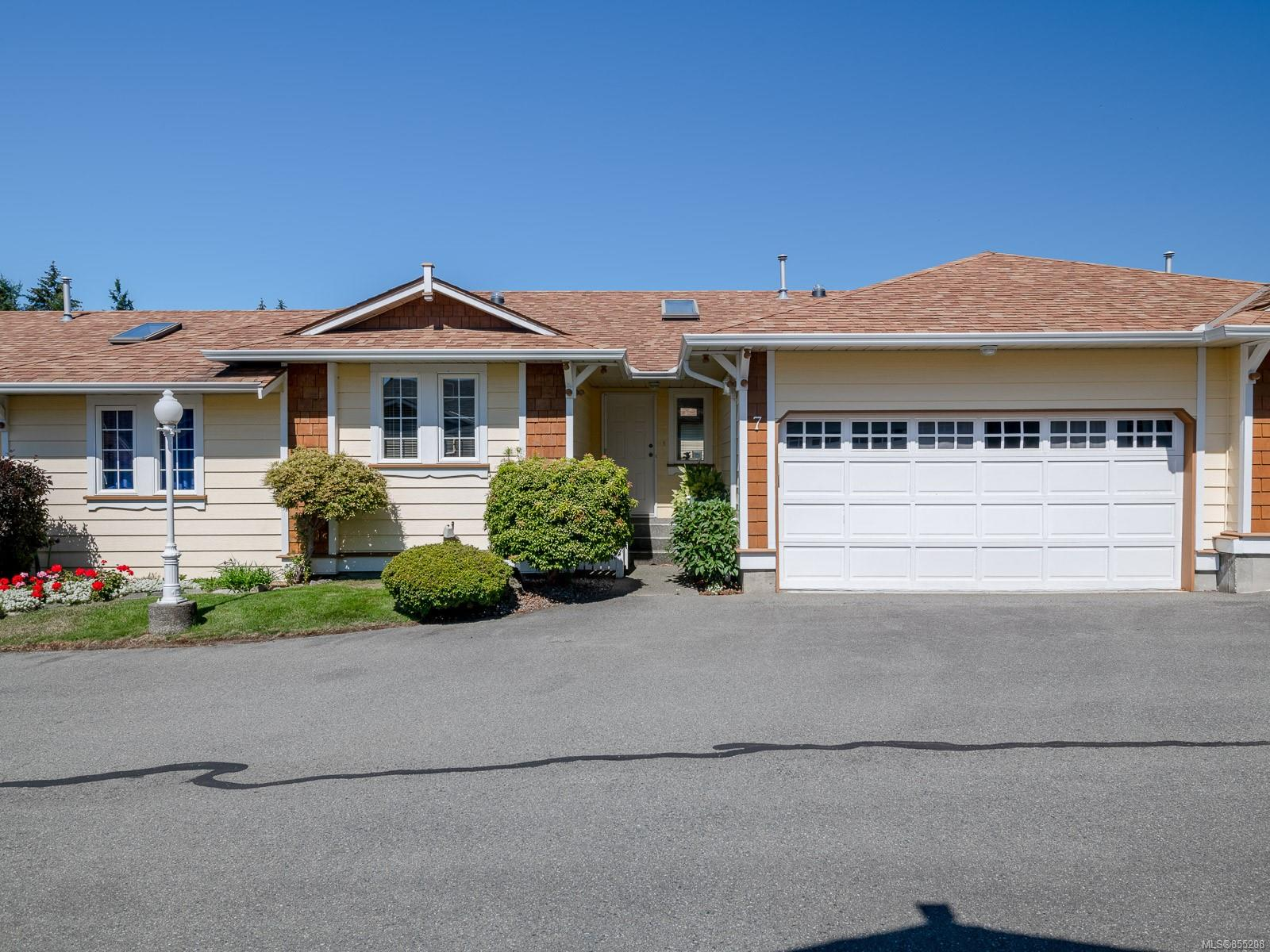 FEATURED LISTING: 7 - 9933 Chemainus Rd