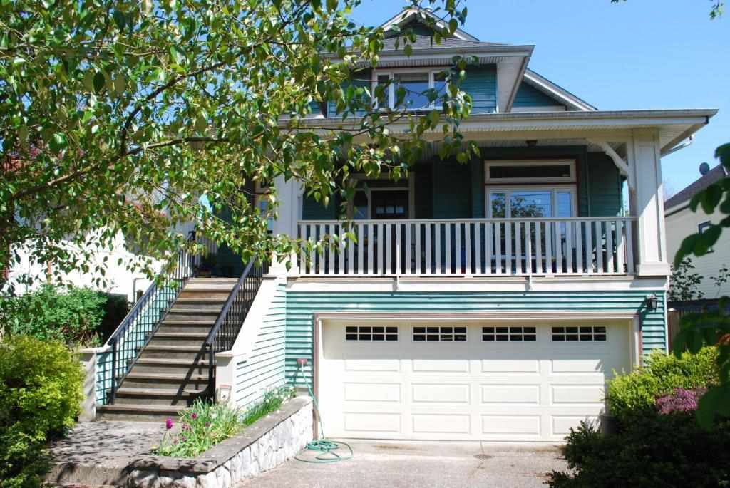 FEATURED LISTING: 3860 ONTARIO STREET