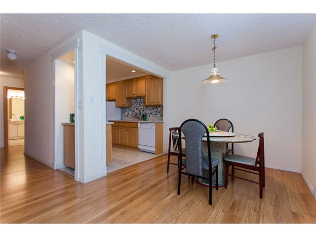 "Photo 3: 210 8400 ACKROYD Road in Richmond: Brighouse Condo for sale in ""LANSDOWNE GREEN"" : MLS® # V1109887"