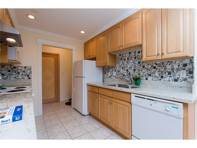 "Main Photo: 210 8400 ACKROYD Road in Richmond: Brighouse Condo for sale in ""LANSDOWNE GREEN"" : MLS® # V1109887"