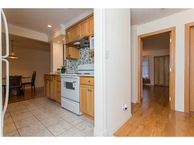 "Photo 8: 210 8400 ACKROYD Road in Richmond: Brighouse Condo for sale in ""LANSDOWNE GREEN"" : MLS® # V1109887"