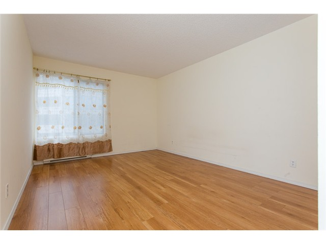 "Photo 6: 210 8400 ACKROYD Road in Richmond: Brighouse Condo for sale in ""LANSDOWNE GREEN"" : MLS® # V1109887"