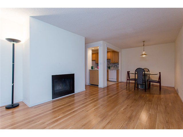 "Photo 4: 210 8400 ACKROYD Road in Richmond: Brighouse Condo for sale in ""LANSDOWNE GREEN"" : MLS® # V1109887"