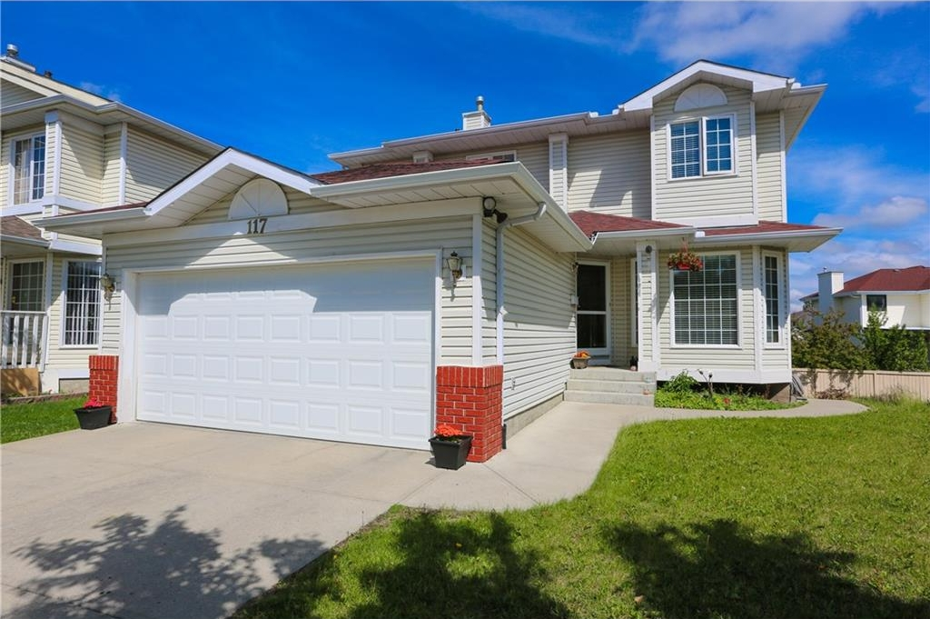 Main Photo: 117 CORAL KEYS Court NE in Calgary: Coral Springs House for sale : MLS(r) # C4122927