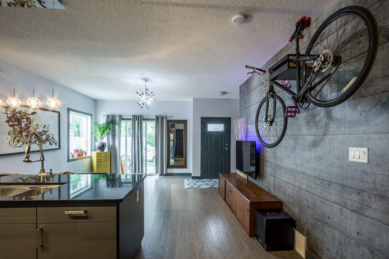 Main Photo: 8312 101 Street in Edmonton: Zone 15 Condo for sale : MLS® # E4076219