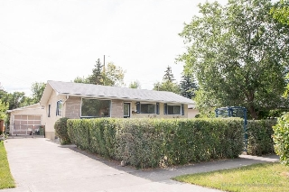 Main Photo: 211 SIMONS Road NW in Calgary: Thorncliffe House for sale : MLS® # C4133878