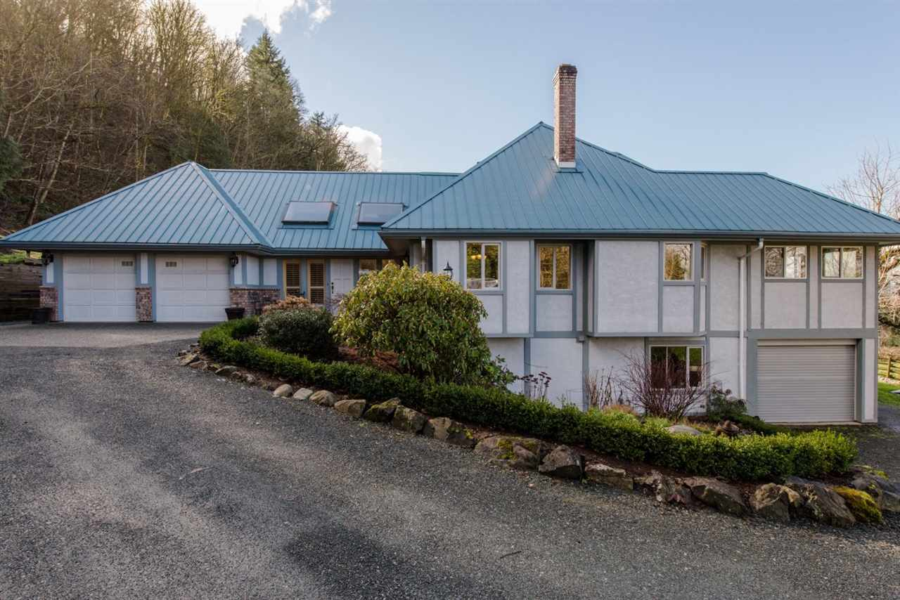 Main Photo: 41056 BELROSE Road in Abbotsford: Sumas Prairie House for sale : MLS®# R2039455