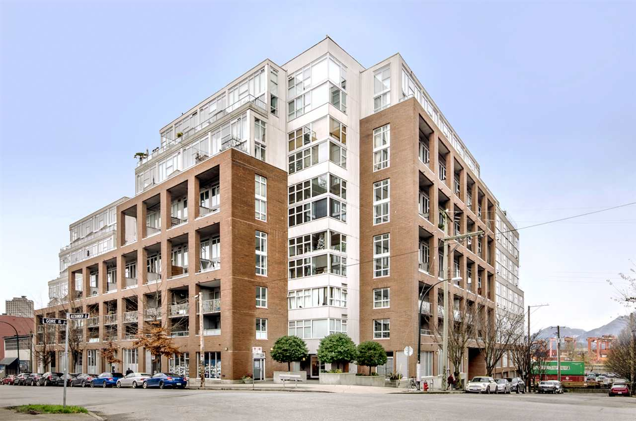 FEATURED LISTING: 299 ALEXANDER Street Vancouver