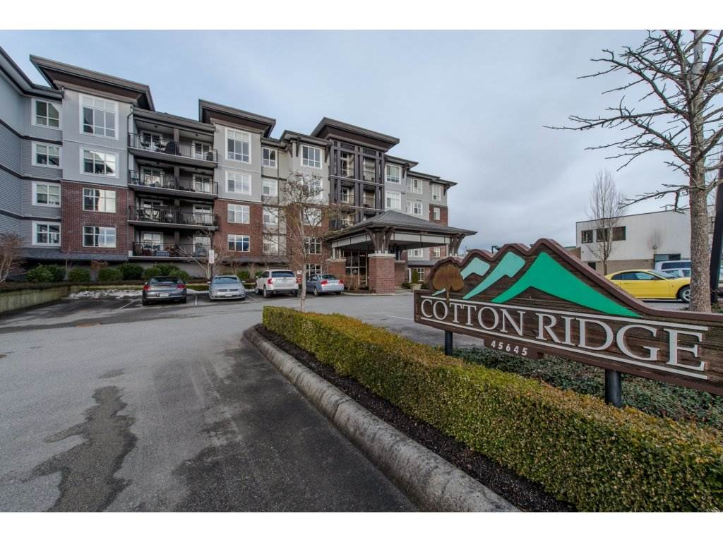 "Main Photo: 105 45645 KNIGHT Road in Sardis: Sardis West Vedder Rd Condo for sale in ""Cotton Ridge"" : MLS®# R2132925"