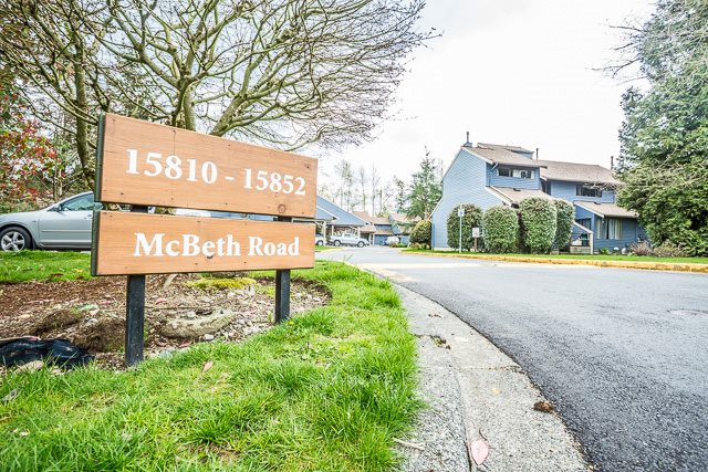"Main Photo: 15836 MCBETH Road in Surrey: King George Corridor Townhouse for sale in ""ALDERWOOD PARK"" (South Surrey White Rock)  : MLS® # R2156637"