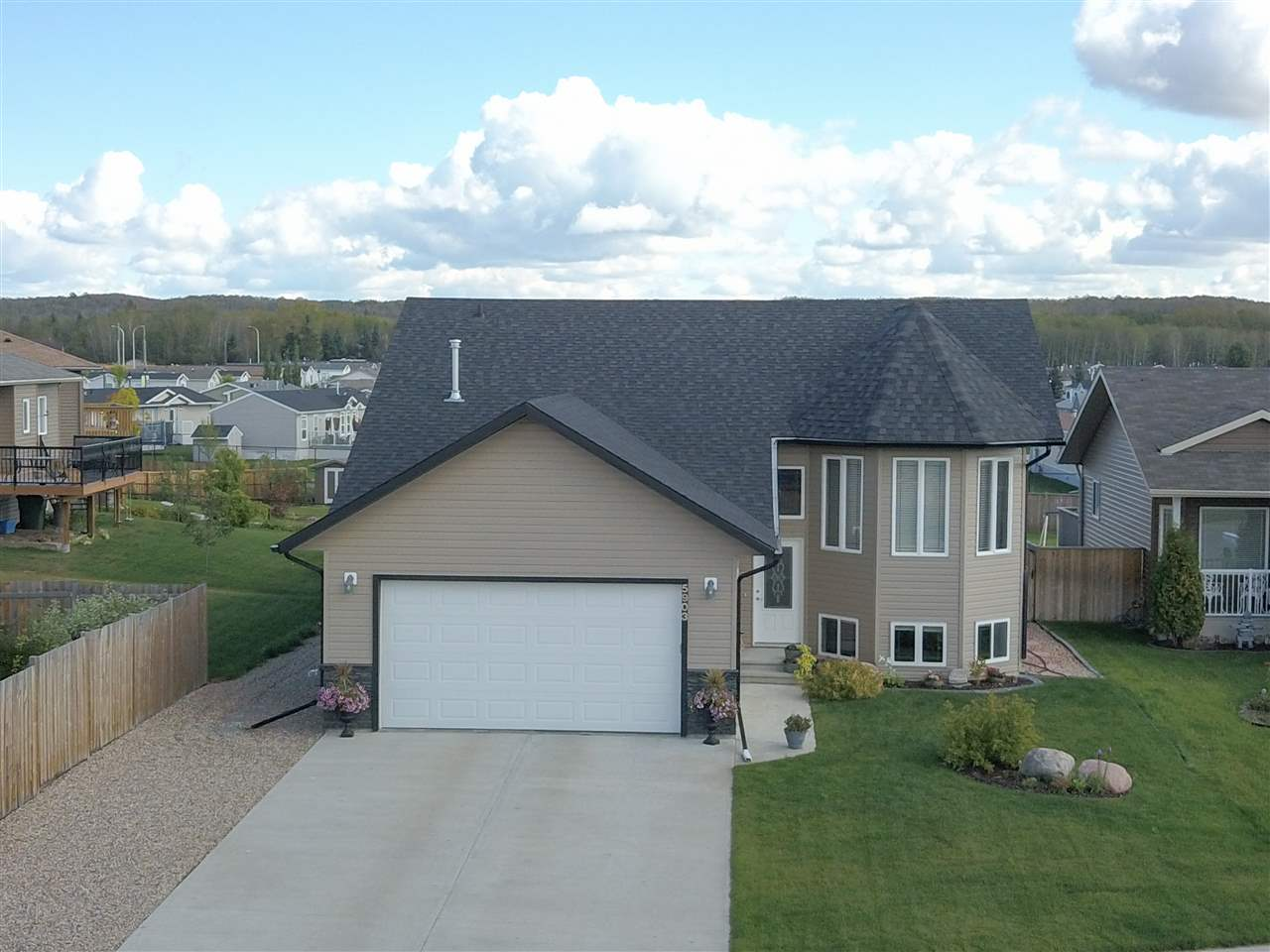 Main Photo: 5903 49 Street: Cold Lake House for sale : MLS®# E4098456