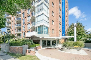 "Main Photo: 302 1575 W 10TH Avenue in Vancouver: Fairview VW Condo for sale in ""THE TRITON"" (Vancouver West)  : MLS® # R2204204"