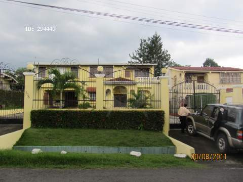 Main Photo:  in Panama City: House for sale (Las Cumbres)