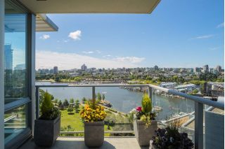 "Main Photo: 1702 638 BEACH Crescent in Vancouver: Yaletown Condo for sale in ""ICON"" (Vancouver West)  : MLS®# R2274580"