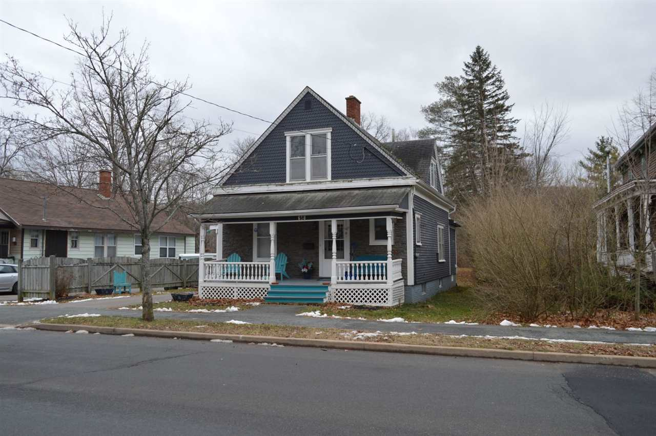 FEATURED LISTING: 658 WEST MAIN Street Kentville