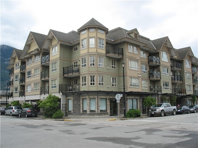 FEATURED LISTING: 106 - 38003 SECOND Avenue Squamish