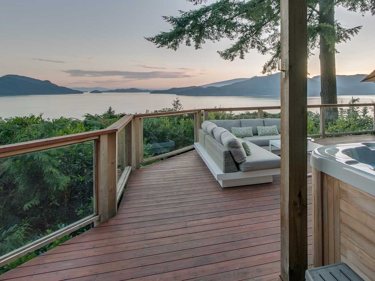 Main Photo: 360 BAYVIEW Road: Lions Bay House for sale (West Vancouver)  : MLS(r) # R2185109