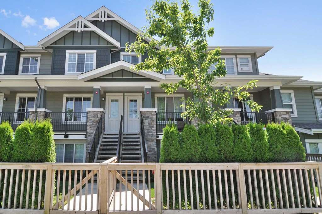 "Main Photo: 43 2138 SALISBURY Avenue in Port Coquitlam: Glenwood PQ Townhouse for sale in ""SALISBURY LANE"" : MLS®# R2193181"