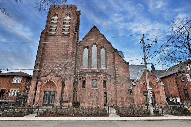 FEATURED LISTING: 8 40 Westmoreland Avenue Toronto