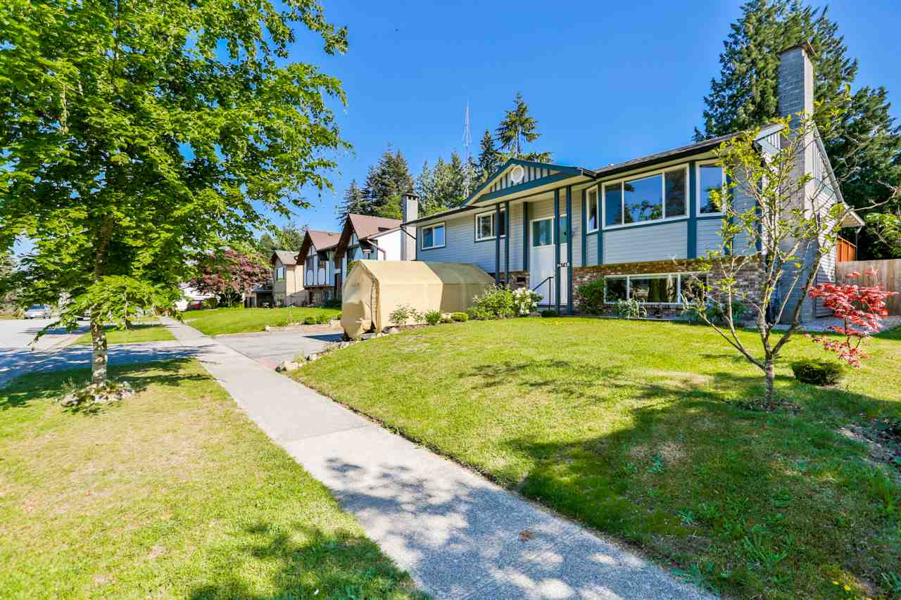 Main Photo: 14748 HALSTEAD Place in Surrey: Guildford House for sale (North Surrey)  : MLS®# R2271693